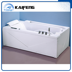 Single Whirlpool Tub with Water Fountain